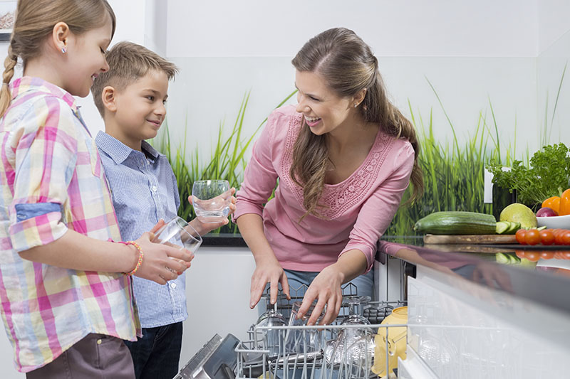 How to Teach Your Kids to Be Nice